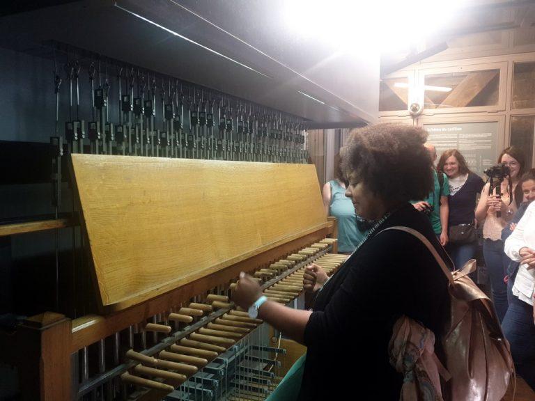 Jouer du carillon du beffroi